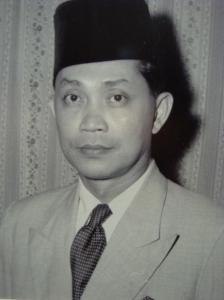 Allahyarham Tan Sri Datuk Haji Nik Ahmed Kamil, Yang di-Pertua Dewan Rakyat, 1974-1977.