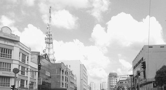 Menara telekomunikasi di tengah-tengah bandar Kota Bharu ini bukan punca jolokan 'Paris of Malaya'.