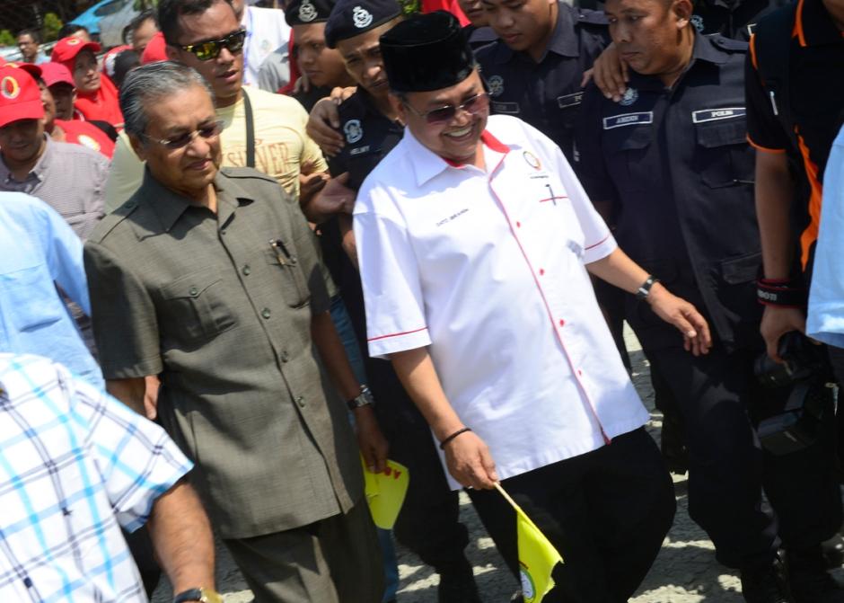 Tun Dr. Mahathir dan Ibrahim, sebelum PRU 2013 di Pasir Mas.